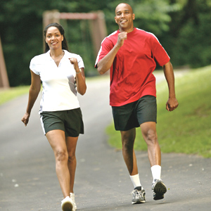 rec-couple-walking-in-the-park-credits-thinkstock-05-15-12-md